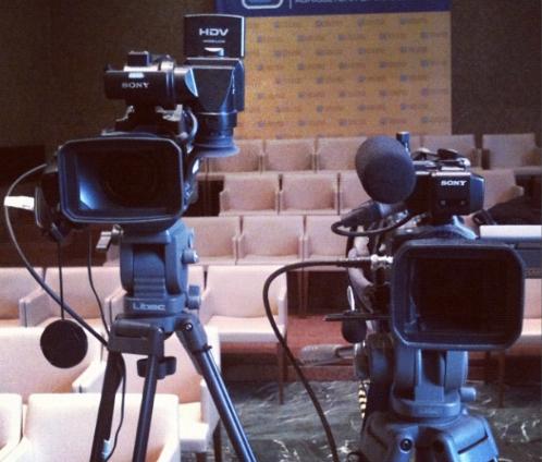 Glocalnews in diretta video anche condivisa festivalglocal for Camera diretta tv